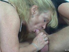 bebek büyük göğüsler sarışın oral seks