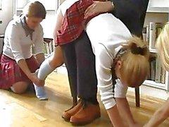 schoolmeisjes spanking uniform caning