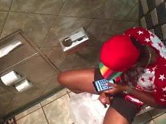 Str8 spy black guy in public toilet