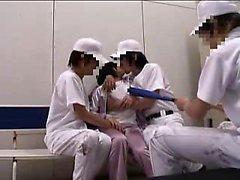 aasialainen sormitus ryhmäseksiä japanilainen pienet rinnat