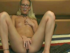 Video Chat Natural Cheerleader Fisting Part 1
