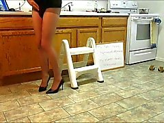 CD lisa in pantyhose and heels Pt 1 9min 17sec