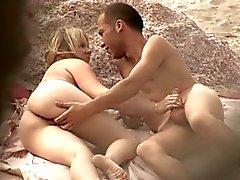 amateur plage nudité en public voyeur