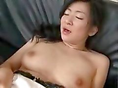 aziatisch pijpbeurt brunette cum