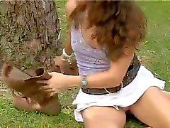 amateur brunettes masturbatie publieke naaktheid