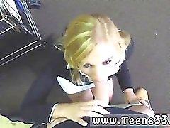 baby blondine blowjob pov öffentlichkeit