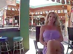 grandes tetas rubia mamada sexo en grupo