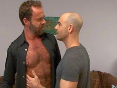 adam russo a gai droite -guy chauve papa