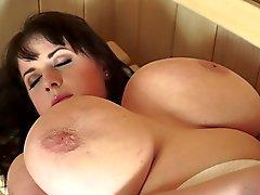 bbw stora bröst cumshots