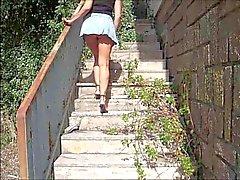 italialainen julkinen alastomuus upskirts