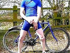 bicycle break - XTube Porn Video - goldenboyuk