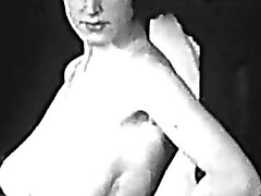 Busty MILF Shows Her Filthy Body (1950s Vintage)