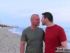 ours gais blowjob gays papas gay gay muscle