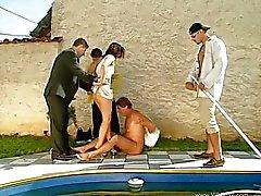 Popüler Havuzun İçinde Videolar