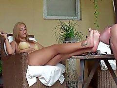 big boobs blondinen domina fuß-fetisch