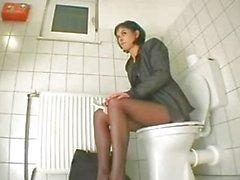 yalnız kız mastürbasyon vajinal mastürbasyon tuvalet
