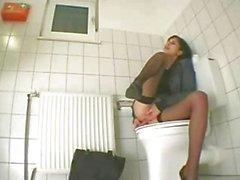 sologirl masturbation vaginale masturbation toilette
