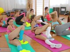 fitness salonları genç genç girl kıza fitness odaları