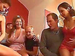 групповой секс мочиться круглолицый