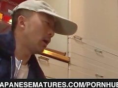 japanesematures hot maduro dona de casa upskirt