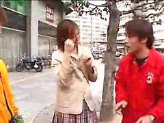 aasialainen tyttö suihin japanilainen