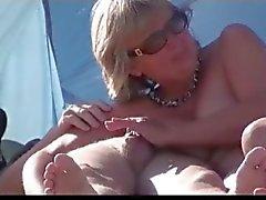 strand blowjobs milfs publieke naaktheid voyeur