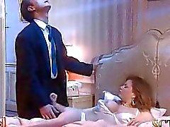 sovrum stora tuttar mogen fru