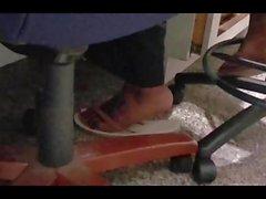amatör ayak fetişi iş arkadaşım parmak arası terlik