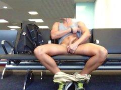 vieloharding öffentlichkeit exhibitionist ausgesetzt flughafen