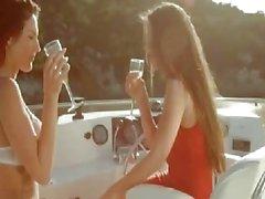 barco lésbica vintage grandes peitos - boat- relações sexuais