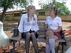 rubias sexo en grupo adolescentes