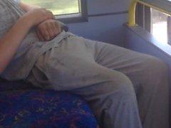 bus renflement gaffe endormi voyeur