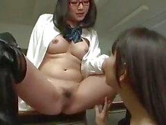 asiático fetiche por pés japonês lésbicas adolescentes