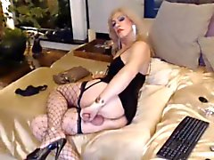 ON CAM EXCLUSIVE - Yvi Glamour - II
