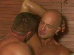 tatuagens musculares skinheads gay speedos sexo beefy beijando jacuzzi sem cortes pau de pau sugadores homens homossexuais orais deepthroat rimming burro foder