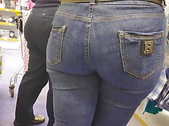 Two big asses milfs in tight jeans