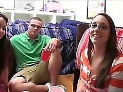 amateur gros seins college girl putain de lunettes