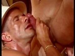 homo runkkaus lihas gay handjob