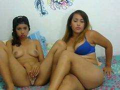 amateur ashley4nicole flashing ass on live webcam