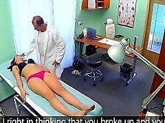 amateur brunette sperme sur le cul hardcore hd