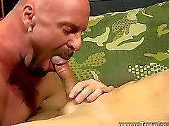 gai couple gay le sexe oral le sexe anal à cru