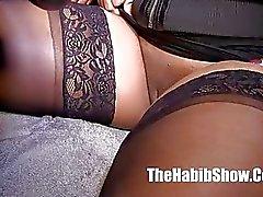 black booty garota negra bichano preto
