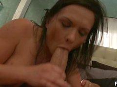 katja kassin pussy allemande licking brunette curvy milf faux gros seins