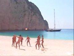 diritto- i ragazzi vacanza nudo barca paradiso