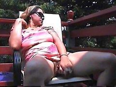 любительский мастурбация на открытом воздухе соло игрушки