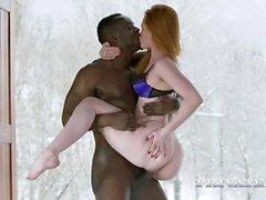 le sexe oral roux petits seins interracial
