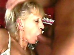 blond pipe mamie