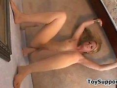 büyük göğüsler sarışın mastürbasyon solo oyuncaklar