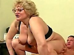 блондинка фетиш бабушка волосатый хардкор