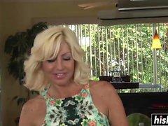 stora bröst blondin avsugning